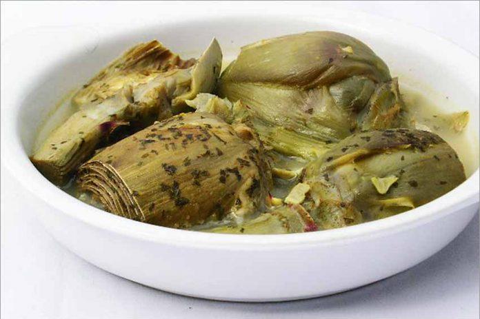 Receta de alcachofas en salsa fácil y rápida