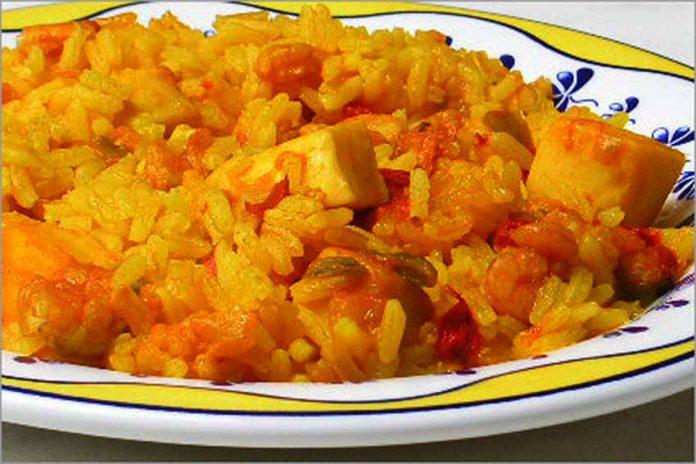 Receta de arroz a banda fácil y rápida