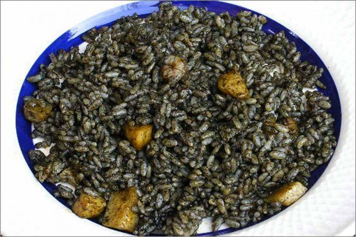 Receta de arroz negro fácil y rápida