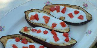 Receta de berenjenas asadas con salsa de yogur fácil y rápida