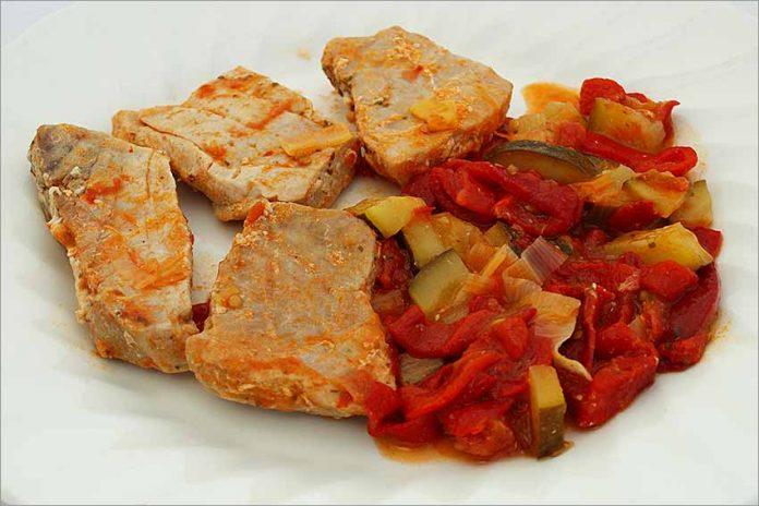Receta de bonito con verduras fácil y rápida