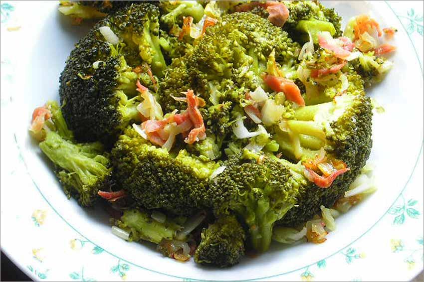 Brócoli con jamón