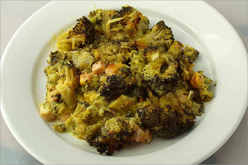 Brócoli al horno con queso rallado y nata