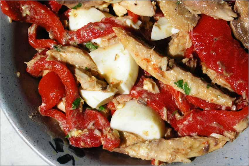 ensalada de caballa y tomate