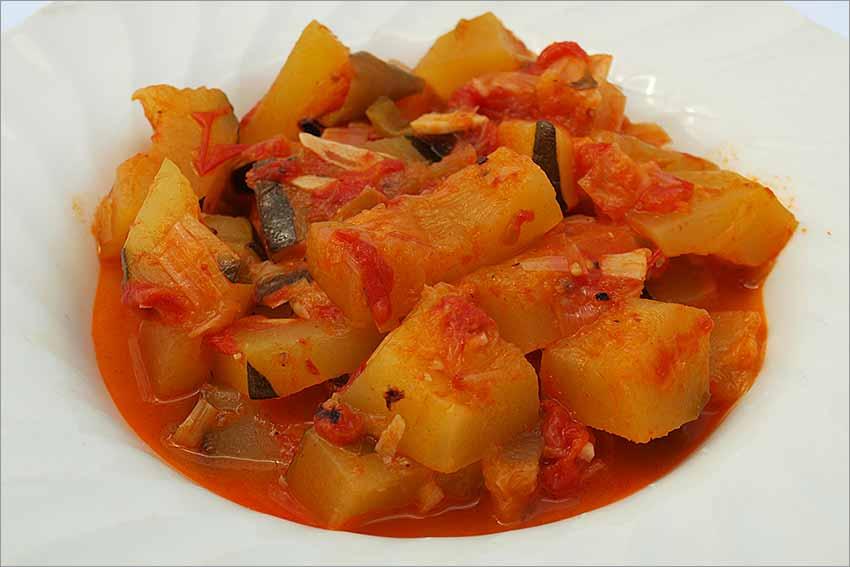 Calabacines con tomate natural
