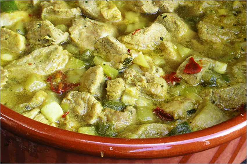 Cerdo con verduras al curry