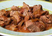 Receta de cerdo guisado con cebolla fácil y rápida