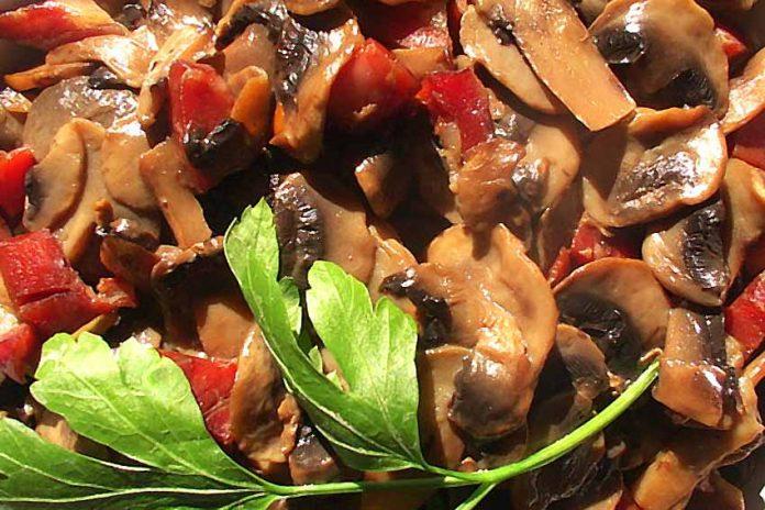 Receta de champiñones con jamón fácil y rápida