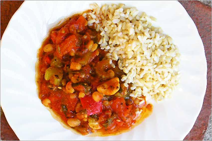 Chili vegetariano con arroz