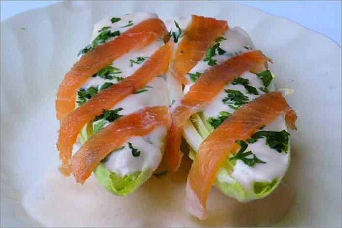 Receta de endibias con salsa de salmón fácil y rápida