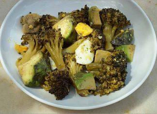 Receta de ensalada de brócoli con aguacate y huevo fácil y rápida