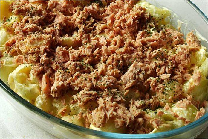 Receta de ensalada de melón con atún fácil y rápida