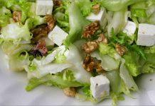 Receta de escarola con pera y queso Feta fácil y rápida