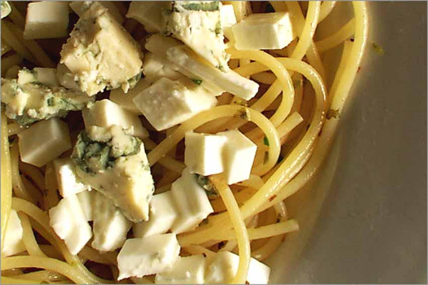 Espaguetis con queso