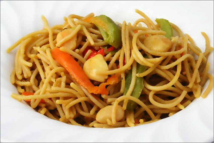 Receta de espaguetis orientales fácil y rápida