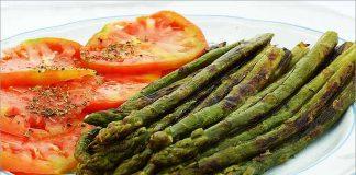 Receta de espárragos con tomates fácil y rápida
