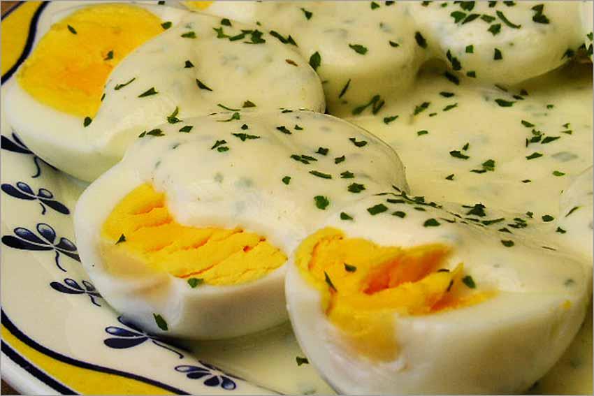 Huevos a la mostaza