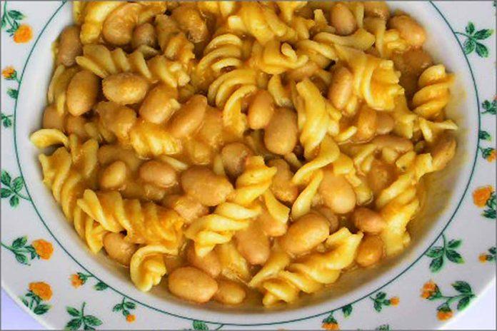 Receta de judías blancas con pasta fácil y rápida