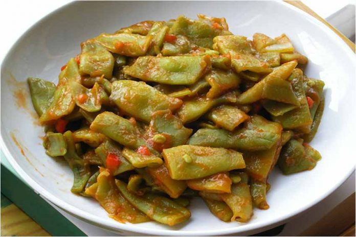 Receta de judías verdes con tomate fácil y rápida