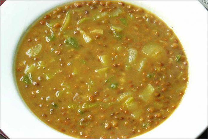 Receta de lentejas con calabacín y curry fácil y rápida