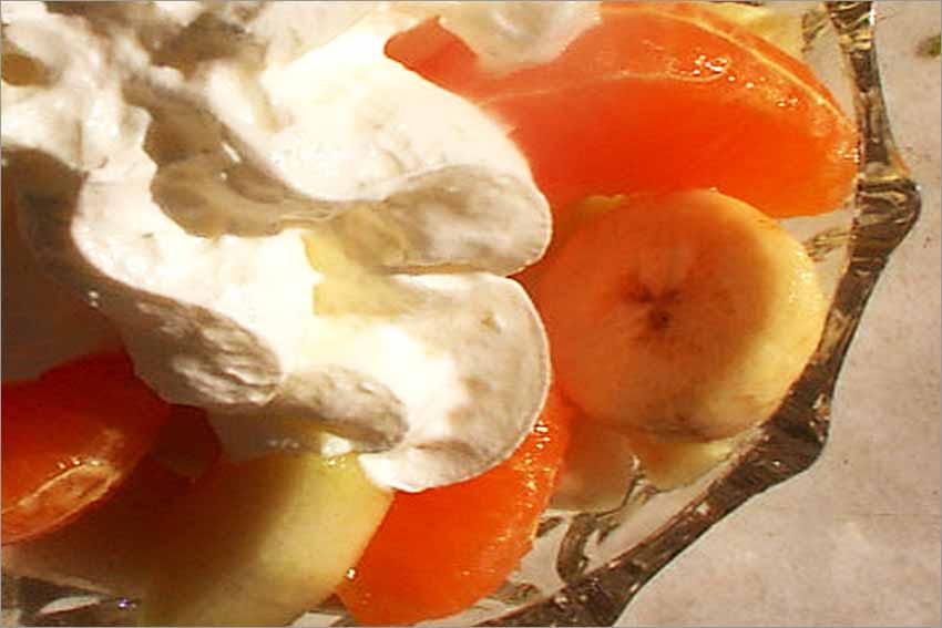 Macedonia de frutas con nata