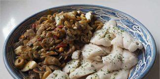 Receta de merluza con champiñones y aceitunas fácil y rápida