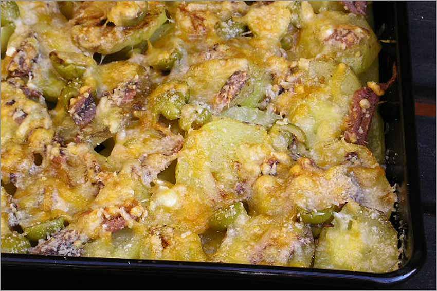 Patatas al microondas con queso gratinado