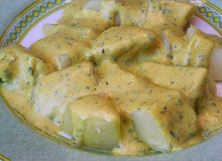 Receta de patatas con salsa de yogur al curry fácil y rápida