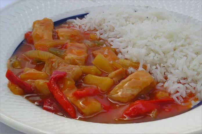 Receta de pollo agridulce con arroz fácil y rápida