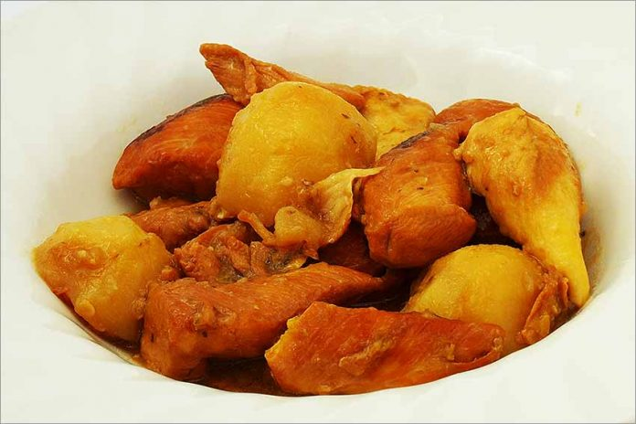 Receta de pollo con patatas cocidas fácil y rápida