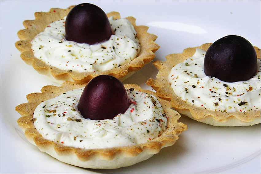 Tartaletas de queso con uvas